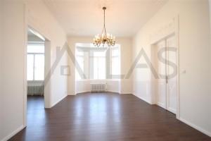 Pronájem nezařízeného bytu 3+1, 102 m2 Praha 2 - Vinohrady, Slezská