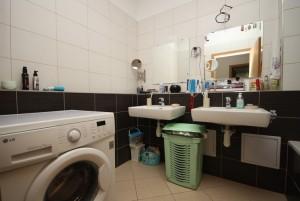 Prodej bytu 2+kk Praha - Malá Strana, Všehrdova, koupelna