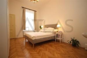 ložnice Pronájem čerstvě zrekonstruovaného bytu 2+kk, 78m2 Praha 2 - Vinohrady, Korunní ulice