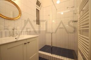 koupelna - Pronájem čerstvě zrekonstruovaného bytu 2+kk, 78m2 Praha 2 - Vinohrady, Korunní ulice