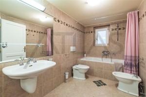 koupelna Pronájem zařízeného bytu 3+1, 144 m2 , Polská ulice, Praha 2 - Vinohrady