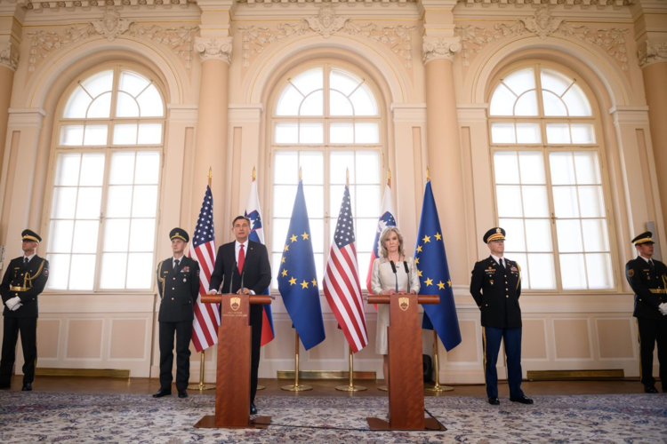 americký velvyslanec a slovinský prezident Borut Pahor označili slovinsko-americký den přátelství