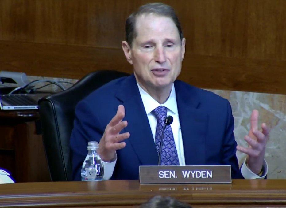 senator Wyden