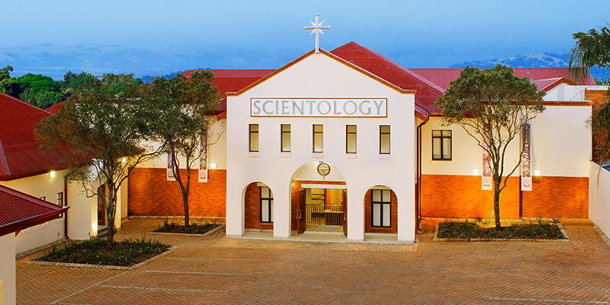 Slavnostní otevření Scientologické církve v Pretorii v Jihoafrické republice