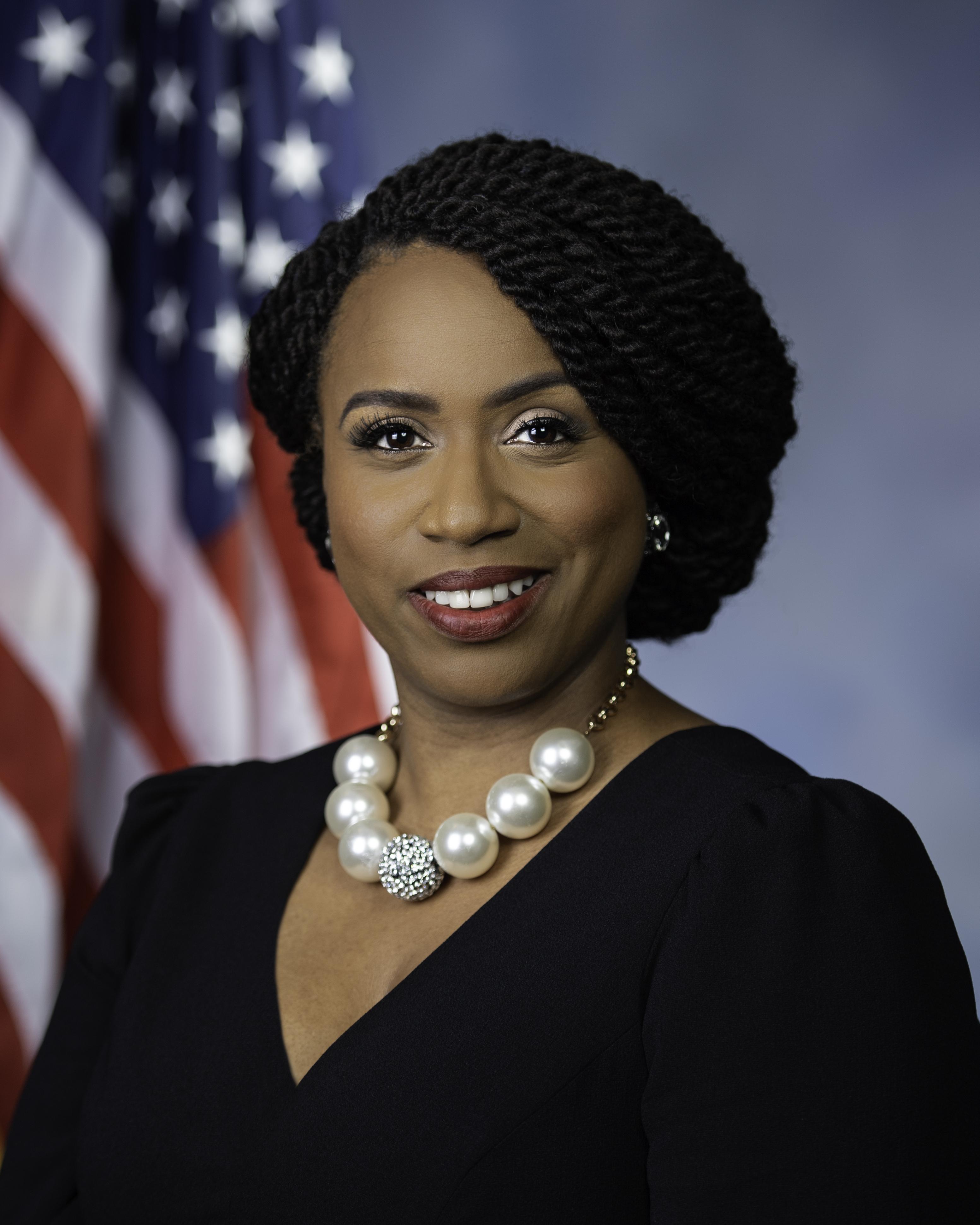 Kongresmanka Ayanna Pressley