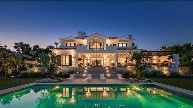 Luxusní dům na prodej s výhledem na moře na prodej v Marbella, Andalusie, nemovitosti na prodej Španělsko