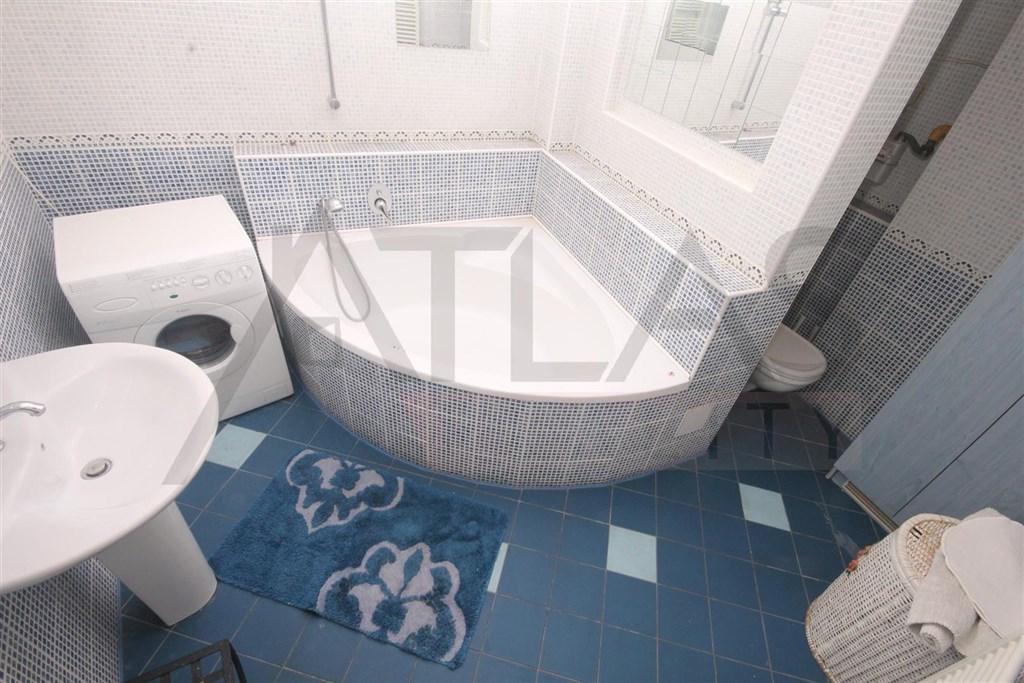 koupelna Pronájem bytu 2+1, 72 m², Praha 2 – Vinohrady, Polská